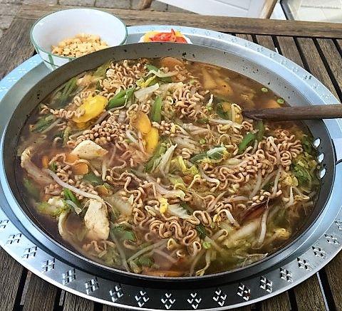 Saras madunivers: Spicy Thaisuppe med masser af grøntsager, kylling ...