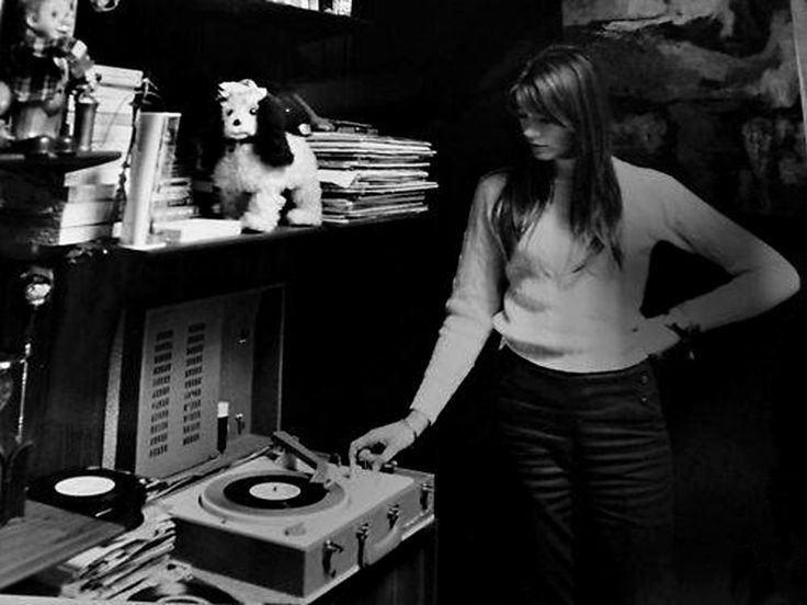 17 Best Images About Record Players And People With Vinyl