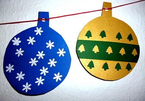 Weihnachten/basteln-Christbaumkugeln-Tonpapier-Goldpapier