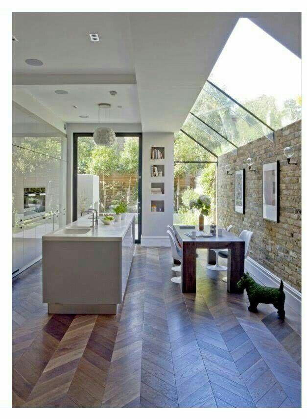 Glass Mezzanine Floor Over Side Extension To Semi Detached Victorian House Amenagement Maison Maison Design Cuisine Moderne Design