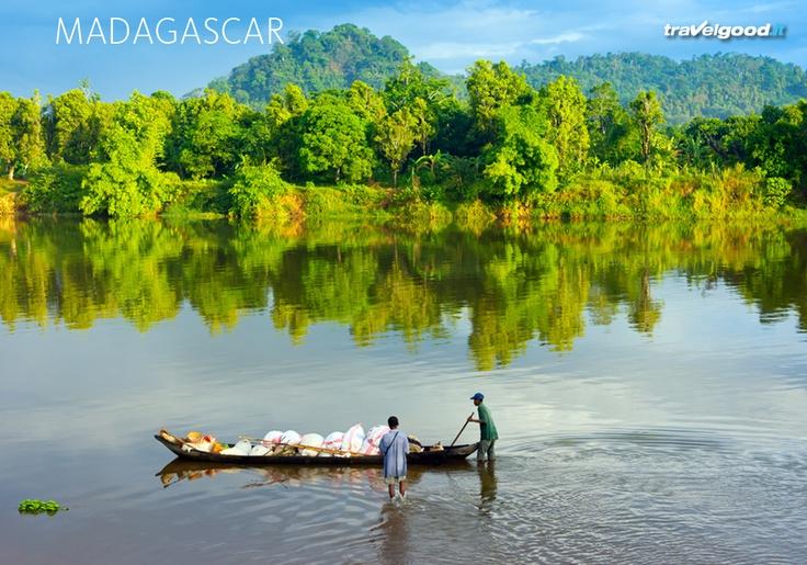 #Madagascar #travelgood L'isola di Nosy Be offre panorami mozzafiato sulle isole limitrofe, escursioni sui laghi vulcanici sacri, visite ai musei SAKALAVA e ANTANKARANA, tour nella Riserva naturale di Lokobe (una delle cinque riserve integrali del Madagascar) che salvaguarda ciò che resta della foresta pluviale tropicale e tanto altro ancora!