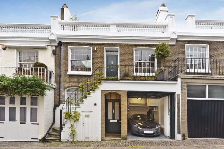 2 bedroom house for sale in Holland Park Mews, London W11