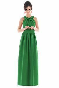 Vestido na cor verde para madrinha de casamento, leia em NOIVAS & CIA