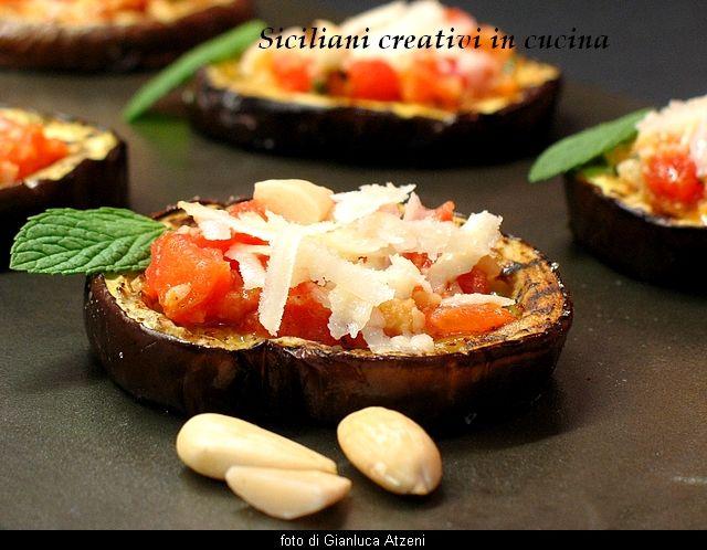 Melanzane alla griglia con pesto alla trapanese e pecorino