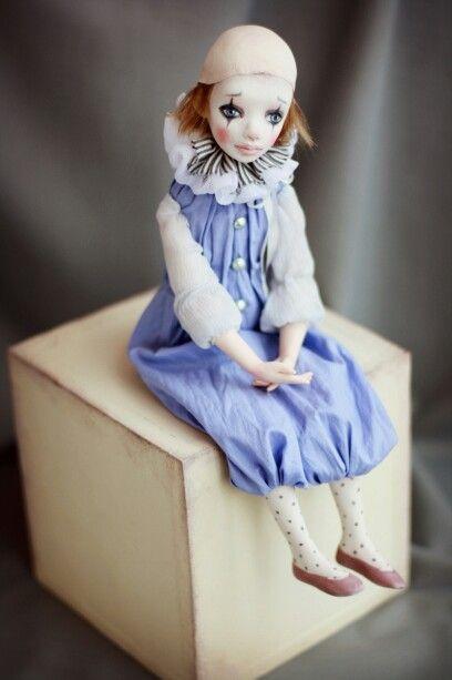 Пьеро. Подвижная кукла Татьяны Симуковой