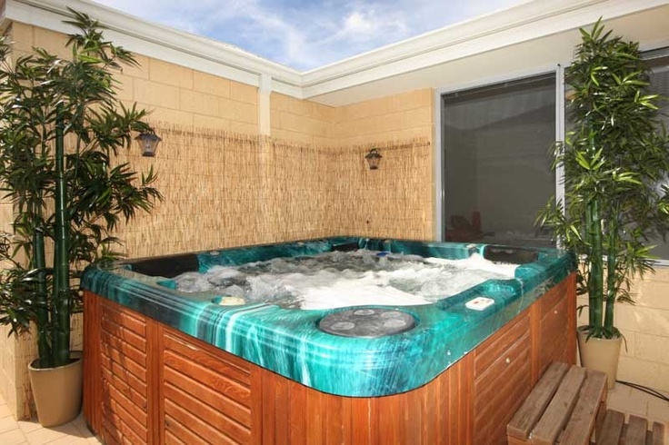 Google Image Result for http://noagentshere.com.au/admin/photostock/firsts119Outdoor_spa.JPG