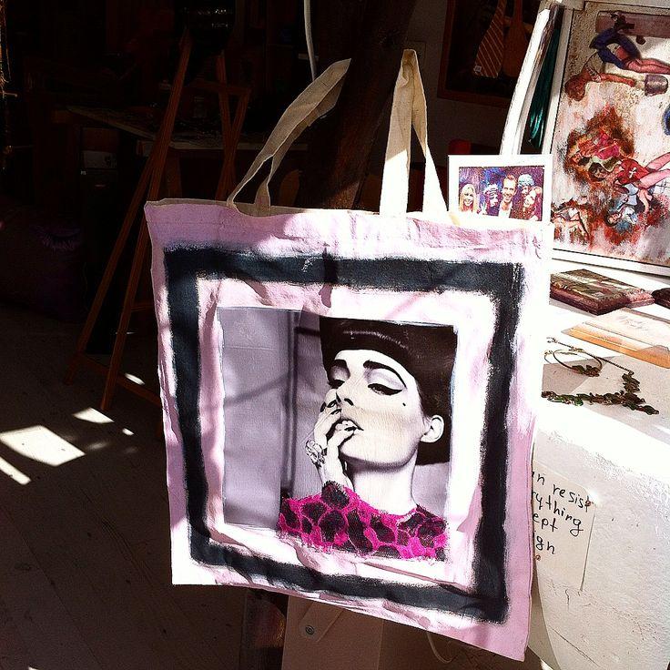handmade painted bags from via ad design/www.via-ad-design.com