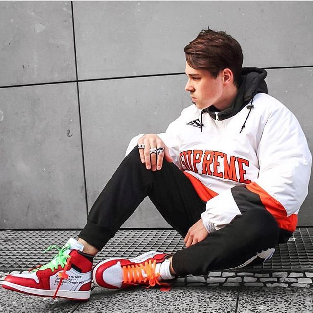 WEBSTA @bestofstreetwear Outfit by @mooe_so Top , Supreme Pants , Dsrcv  Shoes , Air Jordan 1 x Off White
