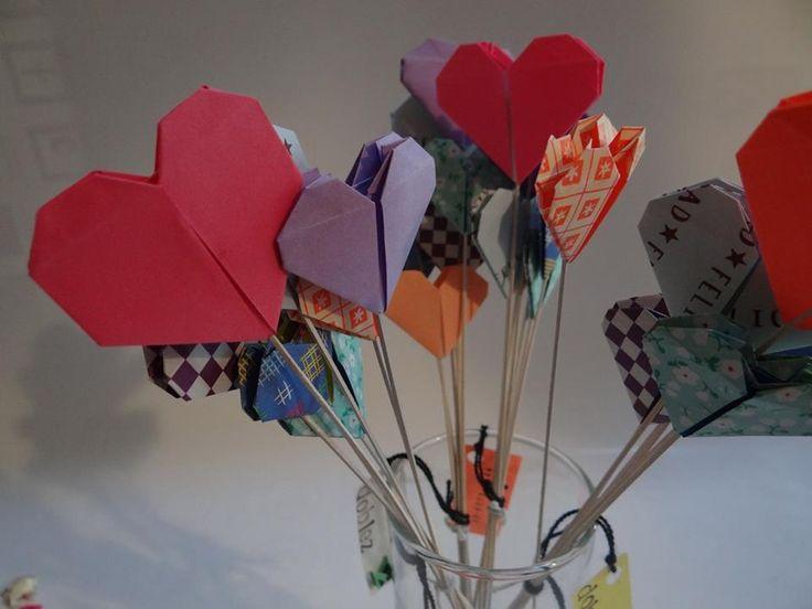 Ramo de corazones - Origami www.facebook.com/dobleZorigami