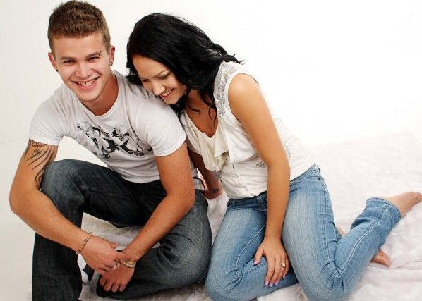 Cute Couple In Love Wallpapers Free Download3