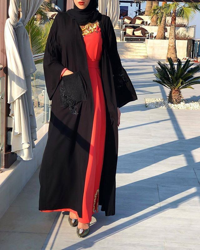 #Repost @hindalmadani with @instatoolsapp  Hello  #subhanabayas #fashionblog #lifestyleblog #beautyblog #dubaiblogger #blogger #fashion #shoot #fashiondesigner #mydubai #dubaifashion #dubaidesigner #dresses #capes #uae #dubai #abudhabi #sharjah #ksa #kuwait #bahrain #oman #instafashion #dxb #abaya #abayas #abayablogger #абая