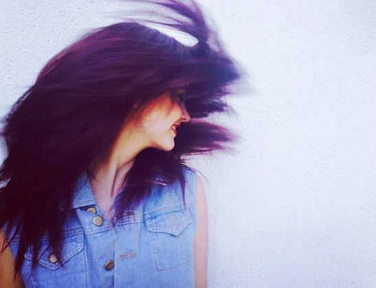 Palvin Barbi új hajszíne: sötét lila! / JOY.hu #barbarapalvin #palvinbarbi #purplehair #celebrity #style #hair