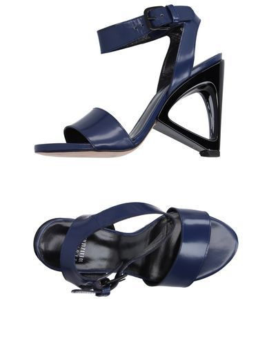 STUART WEITZMAN Sandals. #stuartweitzman #shoes #sandalen