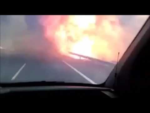 Grupo Amparanoia al borde de las llamas en Autovía de Galicia