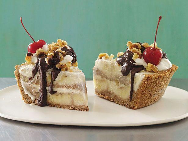 Banana Split Ice Cream Pie - No Bake! (from First Prize Pies) #OffTheShelf