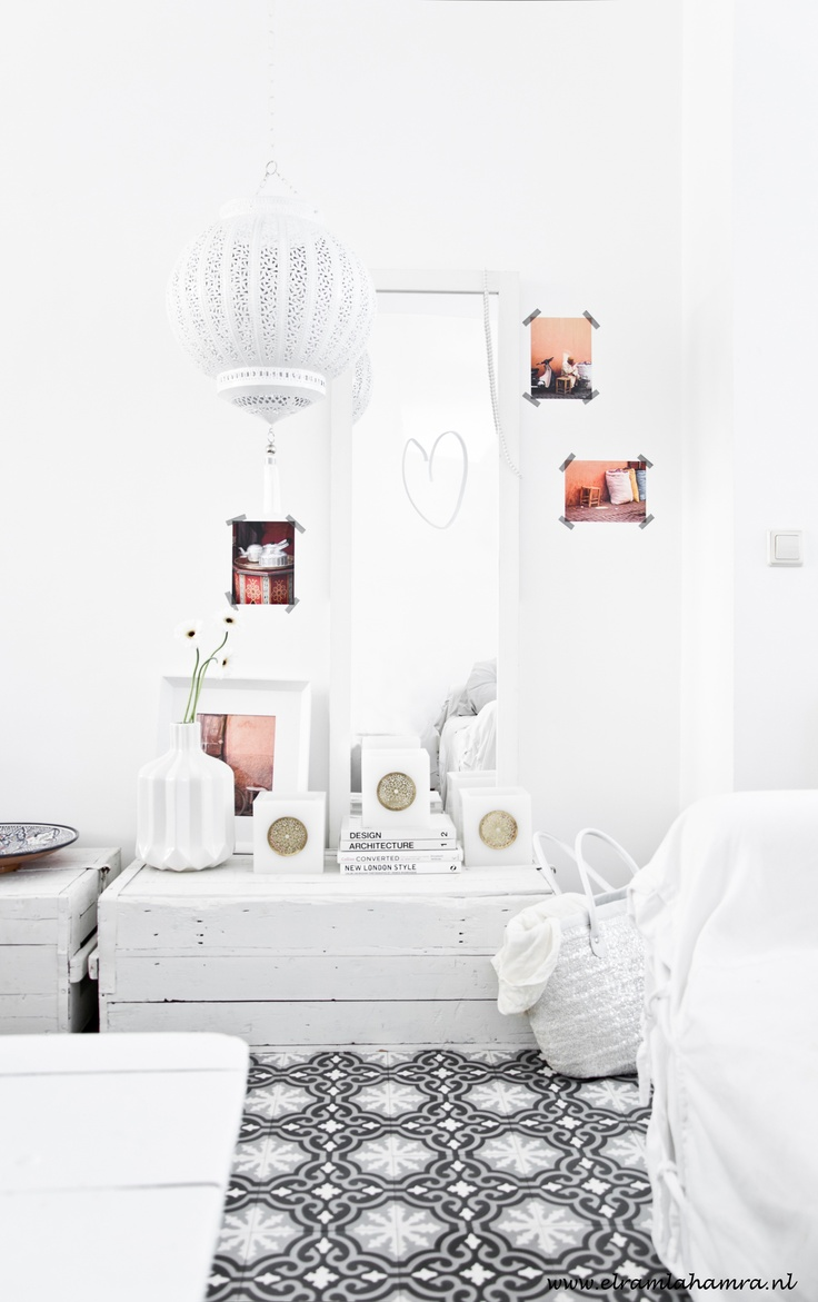 Love for white! #home #white <3<3 Visit http://www.thatdiary.com/ for guide + advice on #lifestyle