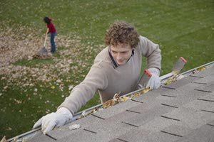 This tutorial provides some great tips on ways to clean your home's gutters and downspouts.: Cleaning Gutters and DownspoutsWhen Gutter Contents are DampWhen Gutter Contents are DryClean Those GuttersClear the DownspoutsRinse and Repeat