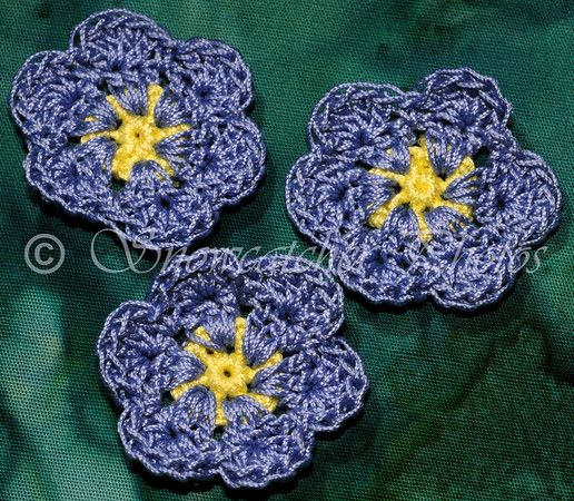 Free Crochet Pattern For Iris Flower : 1000+ images about Crochet Flowers on Pinterest Free ...