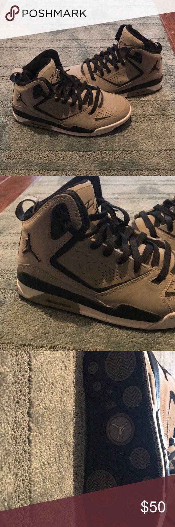 Flight Jordans Men's size 7.5 Jordan Shoes Sneakers