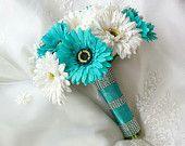 Ramo de Novia de seda azul Aruba turquesa Aqua y margaritas de Gerbera blanco con ramo de boda de Novia de seda blanco perla Stephanotis