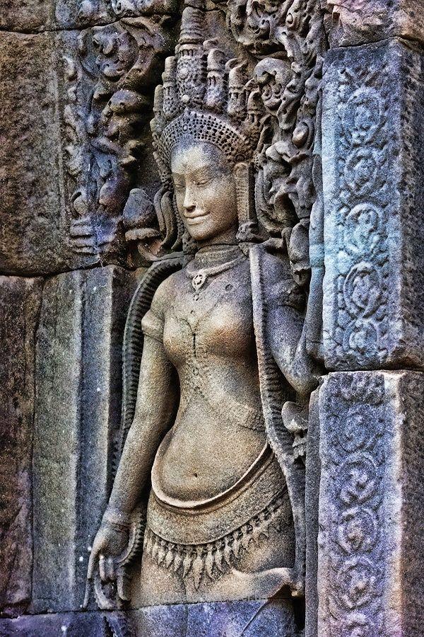 Фоторепортаж: Удивительный и мистический Ангкор Ват, Камбоджа Cambodia – sculptures in Angkor Wat  http://www.bestplacestotravel.us/2017/05/08/%D1%84%D0%BE%D1%82%D0%BE%D1%80%D0%B5%D0%BF%D0%BE%D1%80%D1%82%D0%B0%D0%B6-%D1%83%D0%B4%D0%B8%D0%B2%D0%B8%D1%82%D0%B5%D0%BB%D1%8C%D0%BD%D1%8B%D0%B9-%D0%B8-%D0%BC%D0%B8%D1%81%D1%82%D0%B8%D1%87%D0%B5/