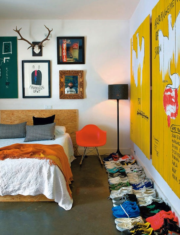 A casa do DJ Jay Cumhur   Men s Bedroom  color  shoes. 13 best DJ Jay Cumhur   Elle Decoration Spain images on Pinterest
