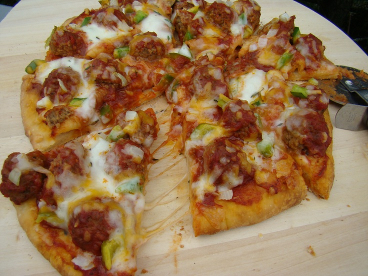 Meatball Pizza | Savoury Recipes | Pinterest