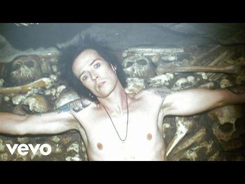 Velvet Revolver Fall To Pieces (subtitulado) - YouTube