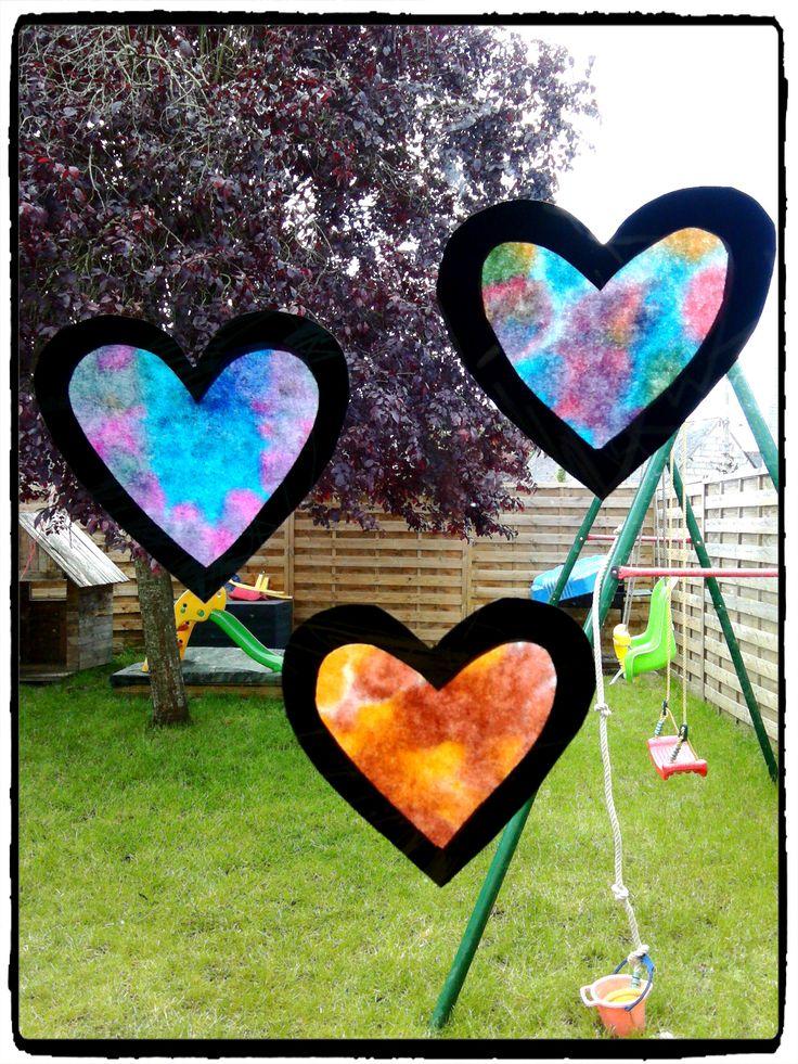 coeurs en attrapes soleil, décoration de fenêtres, fête des mères, mother day, saint valentin, filtre à café, bricolage enfant