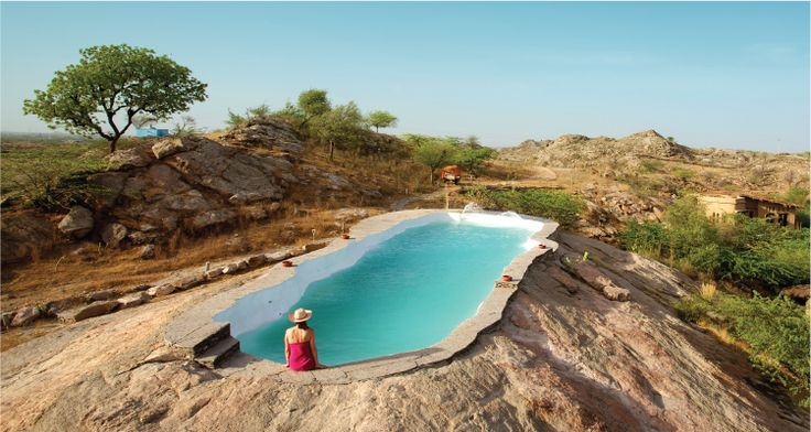Still contemplating where to go for the 2nd October long weekend? 'Each room opens up into a private splash pool with a gorgeous view of the landscape. What's more, there are small reminders of the rustic, village life in the form of belans, mathinis {butter churners}, jaalebi patal {wok}...' LBB, Delhi recommends a getaway to #LakshmanSagar. We are-opening just in time. Book your long-weekend now!