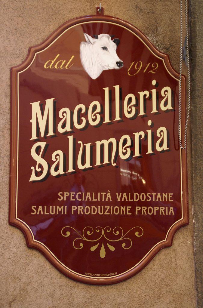 Aosta, Via Pretoria - Insegna Macelleria-Salumeria