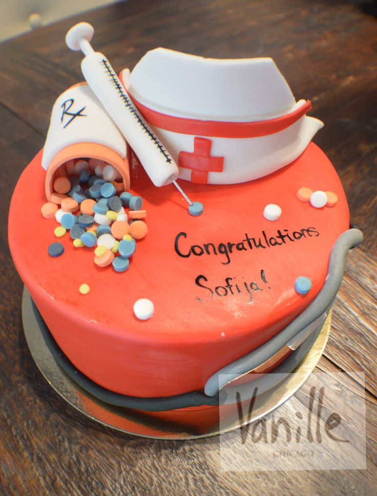 8 best Vanille Chicago Graduation Cakes images on Pinterest
