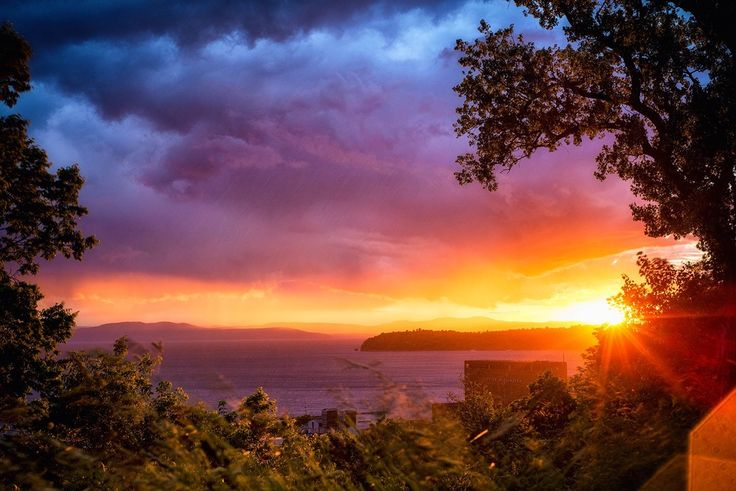 Sunset Over The Adirondack Mountains - Lake Champlain - Burlington, Vermont [1500 X1001] (oc)
