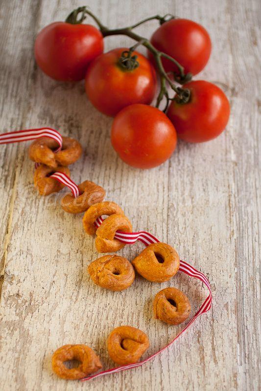 la cucina di mamma: Tarallini bolliti ai semi di finocchio e gusto pizza