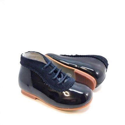 Zapatos para niñas o niños con estilo único.Todo tipo de calzado infantil en nuestra tienda online. Envio gratuito.