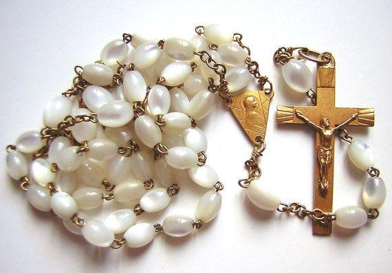 Chapelet ancien en perles de nacre médaille par MILLETRESORS