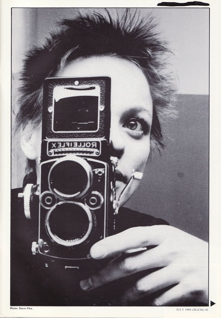 """Laura Phillips """"Laurie"""" Anderson is an American experimental performance artist, composer and musician who plays violin and keyboards and sings in a variety of experimental music and art rock styles. #selfportrait"""