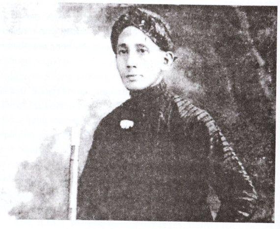 R.M.P. Sosrokartono adalah kakak R.A. Kartini yang dikenal sebagai ahli kebatinan yang sangat dihormati di Kota Kembang.