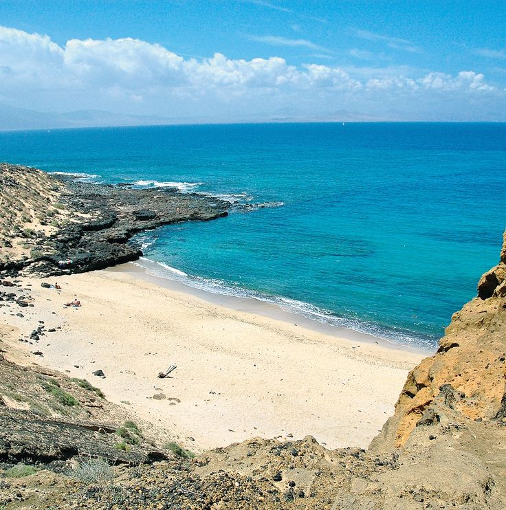 Montaña Amarilla en la Graciosa, Archipielago Chinijo, Lanzarote. Islas Canarias