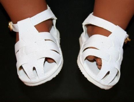 Gevlochten sandalen wit | *SCHOENTJES* in poppenmaat ca. 46-48 cm (o.a. ChouChou) | Astrids Atelier Poppenkleding