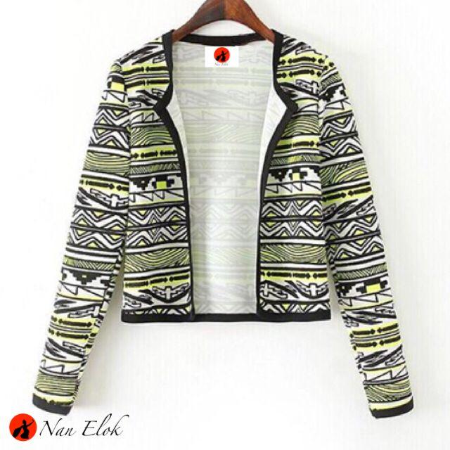 Lembayung - Cropped Blazer in Tribal Pattern | IDR269.000 / USD31 | Chest: 100cm, Length: 49cm, Armhole: 44cm, Sleeve length: 63cm