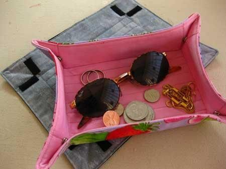 Travel tray - great little idea. Perfect for hotel rooms or our camper trailer to hold all those little things that otherwise get spread around the room.