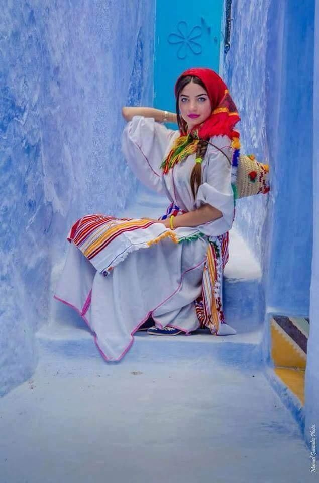 Beautiful Moroccan girl from the city Chefchaouen.