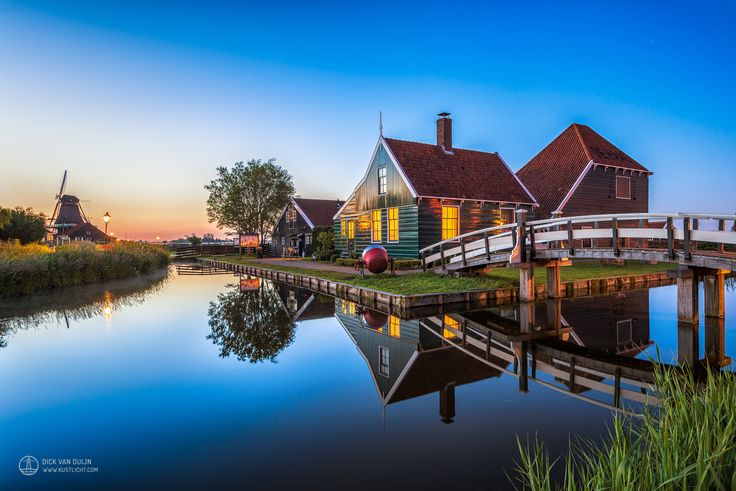 https://flic.kr/p/u9BUtN | Zaanse Schans Twilight | Typically Dutch wooden architectural styled house at Zaanse Schans (The Netherlands) during blue hour.  This house at The Zaanse Schans is probably one of the most photographed Dutch highlights ever, and a recommended place to visit for tourists.