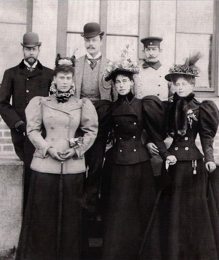 Coburg 1896 - Mary Duchess of York, Victoria Melita Grand Duchess of Hesse and Crown Princess Marie of Romania, George Duke of York, Ernst Grand Duke of Hesse and Ferdinand Crown Prince of Romania.