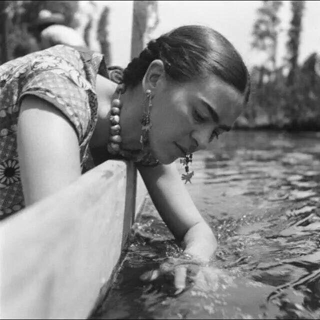 Si usted me quiere en su vida, usted me pondrá en ella. Yo no debería estar peleando por un puesto. #Frida <3