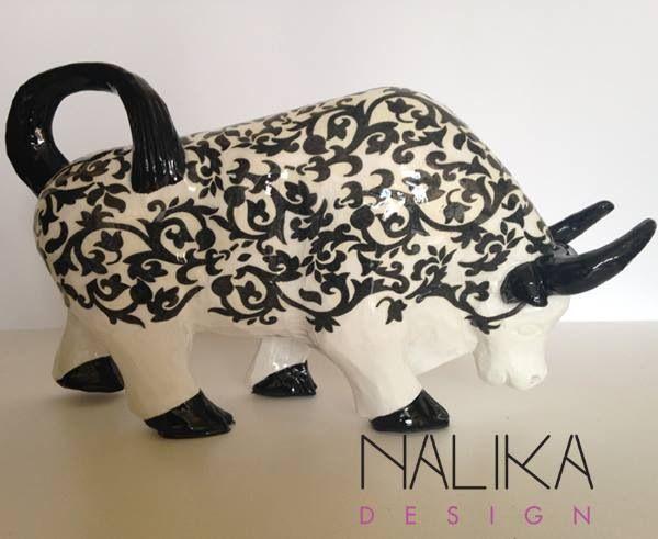 Toro blanco y negro, colección 2014. En Facebook Nalika Design