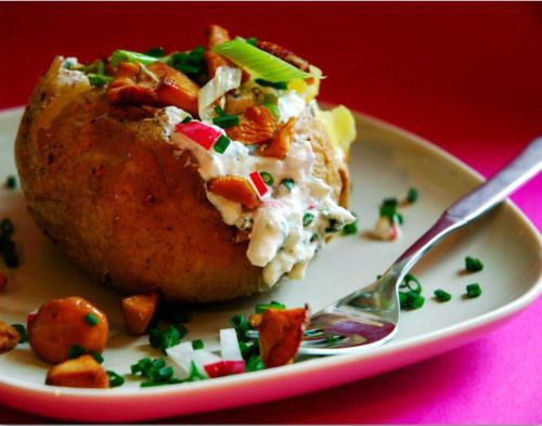Baked Potato with Ricotta and Chanterelle Mushrooms | Recipes for ...