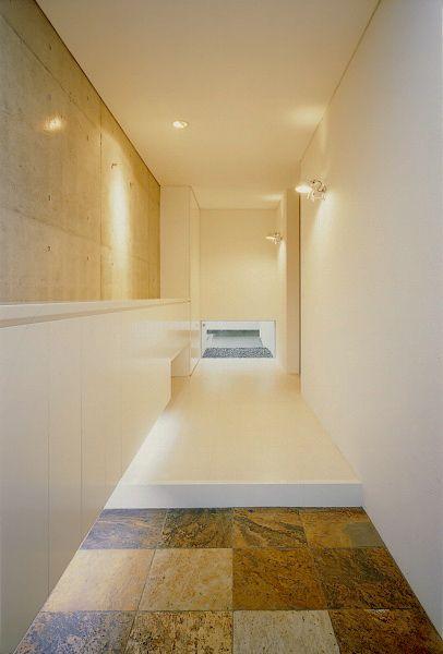 コンクリート造・RC造の家   静かに佇むゲート   アーキッシュギャラリー