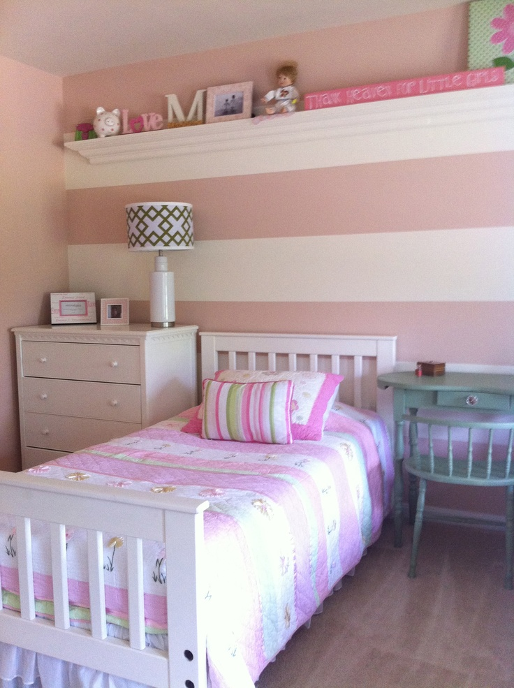 Girls Room, Pink and white wide stripe, mcubed interiors